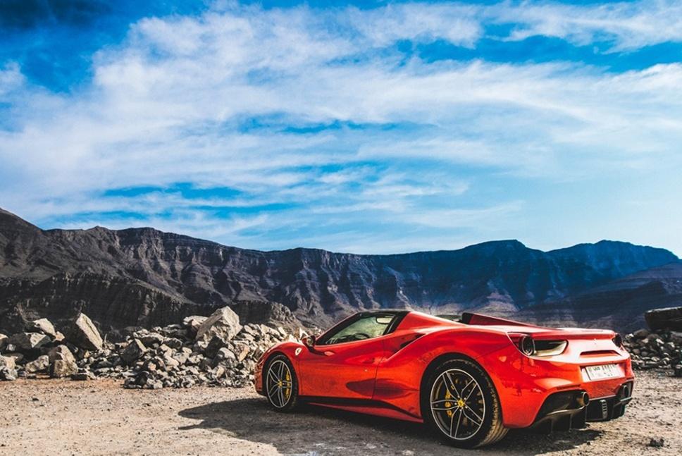 Ferrari - 968 x 647